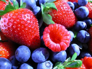 http://www.dreamstime.com/stock-image-summer-berries-image3511041